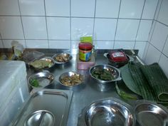 Alles staat klaar  vor een workshop Indische  gerechten