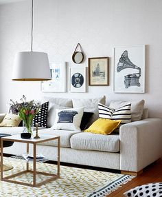 http://www.jutarnji.hr/domidizajn/interijeri/fresh-interior-with-colorful-touches.jpg/4506521/alternates/PORTRAIT_680/fresh-interior-with-colorful-touches.jpg