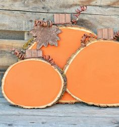 Sütőtök táblák - őszi kerti dekoráció farönk szeletekből / Mindy - kreatív ötletek és dekorációk minden napra