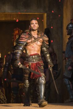 It has to be biological, females are attracted to the alpha males, to ensure the survival of the species,  Cause men who can kick ass are hot! Dustin Clare, Liam Mcintyre, Gods Of The Arena, Armadura Medieval, Alpha Male, Ancient Rome, Barbarian, Fantasy Characters, Fictional Characters