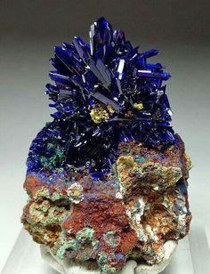 Sapphire Gemstones Julia Sutch Erosion by Tamsin van Essen Criquette Filianite CrescentaniteApophylliteCalcite Azurite rocks and minerals 465