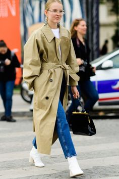 Fall Outfit Ideas From Paris Street Style - Paris Fashion Week Street Style Fall 2017