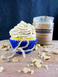 White Chocolate Cookie Butter Filled Cupcake - Beyond Frosting Cookie Dough Cupcakes, Butter Cupcakes, Cookie Butter, Cookie Dough Recipes, Cupcake Icing, Butter Frosting, Frosting Recipes, Cookie Bars, Cupcake Recipes