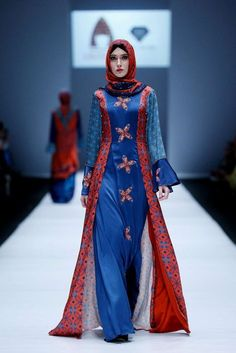 Fashion Arabic Style   Illustration   Description   Lusense Kd And Hans Virgoro, Spring-Summer 2017, Jakarta, Womenswear    – Read More –