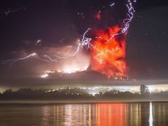 Another shot of the Calbuco eruption