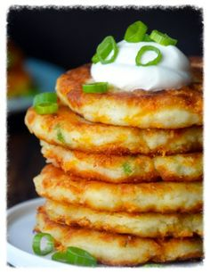 cookiescrumbsandchickens: Leftover Cheesy Mashed Potato Pancakes