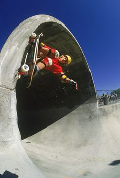 Skate Photo - Chris Miller Grind Up Full Pipe Eighties Skateboarding Photograph 18 x 24 Inch Ima Old School Skateboards, Vintage Skateboards, Vision Skateboards, Sup Surf, Skate Surf, Kitesurfing, Chris Miller, Skate Photos, Skateboard Pictures