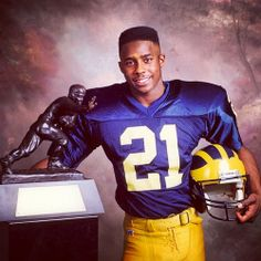 Michigan Athletics, Michigan Wolverines Football, University Of Michigan, Football Fans, College Football, Football Helmets, Football Things, Desmond Howard, Michigan Go Blue