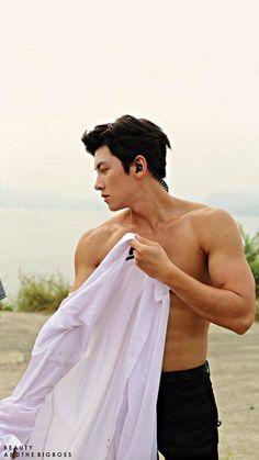 Damn so hot ji chang wook 😘😘😘 What the hell ! Damn so hot, ji chang wook 😘😘😘 Hot Korean Guys, Hot Asian Men, Korean Men, Asian Guys, Ji Chang Wook Abs, Ji Chang Wook Healer, Song Hye Kyo, Asian Actors, Korean Actors