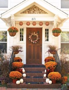 22 Fall Front Porch Ideas. I need to start planning!