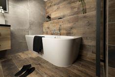 Rustic Master Bathroom, Bathroom Interior, Beautiful Homes, Toilet, Bathtub, Shower, House, Spa, Powder Room