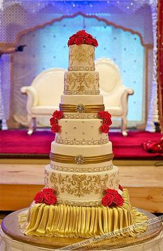 Wedding cake - gold