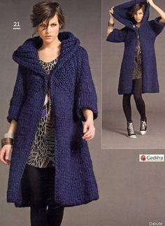 Женское пальто спицами описание. Пальто с капюшоном вязаное спицами