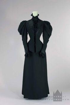 Promenade Costume, Worn By The Empress Elizabeth Of Austria, 1893-1895 - (muenchner-stadtmuseum)