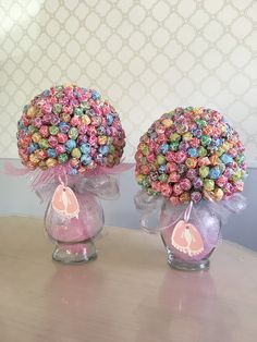 Dum Dum lollipop baby shower decorations.
