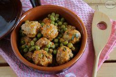 Ricetta per preparare le polpette con piselli. Un classico della cucina italiana perfetto per tutta la famiglia.