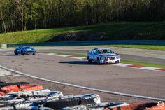 #BMW 3.0 #CSL et #Ferrari #308 Gr IV #Michelotto sur le #TourAuto2016 à #Dijon_Prenois. Reportage : http://newsdanciennes.com/2016/04/20/tour-auto-2016de-passage-a-dijon-prenois-on-y-etait/ #ClassicCar #VoituresAnciennes #VintageCar #MoteuràSouvenirs