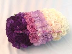 White to purple #ombre #centerpiece. Wedding flowers in Mexico. Destination weddings Riviera Maya. Beautiful weddings.