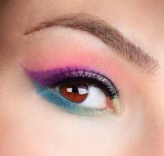 Nicole Marie - Makeup Artistry: Urban Decay Electric Palette