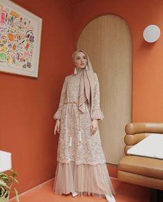 "HIJABOOTD • HIJABFASHION di Instagram ""Dihari spesial , pakai gaun spesial itu wajib loh guys . Yuk cari gaun spesial kamu di @afayss_store @afayss_store @afayss_store cantik,…"" Hijab Gown, Hijab Dress Party, Hijab Style Dress, Casual Hijab Outfit, Dress Brukat, Kebaya Dress, Dress Pesta, Kebaya Hijab, Kebaya Brokat"
