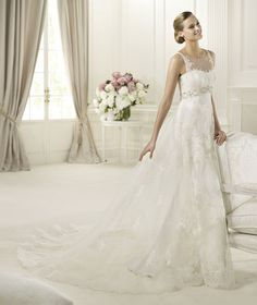 Pronovias presents the Dedalo wedding dress. Costura 2013. | Pronovias