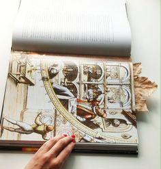 Livro História da Astronomia  Objetos  a venda  no site :  www.vendavintage.com  #artigosvintage #ecommerce #vintageshop #vintage #retrô  #antiguidade  #decor #decoração  #decoração vintage#for the home #inspiration #home inspiration #interiors #shop #presentes #compras