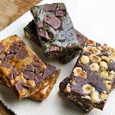 We are so pleased to have discovered @nookiebar 's #glutenfree #dairyfree refined #sugarfree super tasty natural bars! You must try themWill it be 'Chocolate hazelnut & raisin''Peanut butter & chocolate chips' or 'Almond butterspirulina & chocolate chip'?  All absolute heaven in a bar! Don't worry you can try them all at #FreeFromFestival  -> 30th of May (Bank Holiday Monday) in London  #glutenfreelife #lactosefree #delicious #yum #chocolate #hazelnut #peanutbutter #almondbutter #spirulina…
