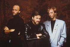 Galeria de fotos dos anos 80 dos Bee Gees   Barry Red   8 may 1981   22 nov 1981   26 nov 1981   Living Eyes 1981   1983 Session Photo   1988 Miami   1988 &n…