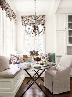 traditional kitchen by Southern Living--I LOVE a window seat banquette! Kitchen Banquette, Banquette Seating, Dining Nook, Kitchen Nook, Dining Room Table, Kitchen Seating, Corner Banquette, Bistro Kitchen, Kitchen Windows