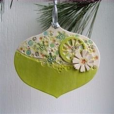 Retro inspired jumbley porcelain christmas by dhergtdesign on Etsy Clay Ornaments, Diy Christmas Ornaments, Holiday Crafts, Christmas Decorations, Etsy Christmas, Clay Projects, Clay Crafts, Polymer Clay Christmas, Gifts For Office