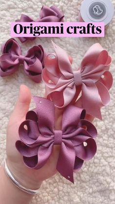 Diy Crafts For Girls, Creative Arts And Crafts, Cute Crafts, Diy Bow, Diy Hair Bows, Easy Fabric Flowers, Fabric Butterfly, Paper Crafts Origami, Fabric Crafts