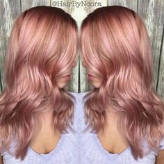 24 Rose Gold Hair Color Variations To Take To Your Colorist 24 Haarfarbvarianten in Roségold, Dusty Rose Hair, Rose Gold Hair, Pink Hair, Rose Hair Color, Hair Color And Cut, Blond Rose, Cabelo Rose Gold, Gold Hair Colors, Dye My Hair
