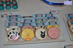 Los animalitos de la granja en forma de galletas ;) Victoria, Cookies, Cake, Ideas, Home Decor, Animal Birthday, Hot Dogs, Candy Stations, Shapes