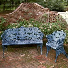 Cast Iron Garden Furniture, Iron Furniture, Yard Benches, Wrought Iron Bench, French Bistro Chairs, Townhouse Garden, Creole Cottage, Garden Table And Chairs, Iron Table