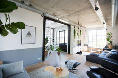 Nieuwbouw woning Strijp R door Broeren Das bouwbedrijf. Living room.