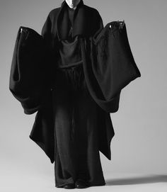 /// all black | high fashion | kimono