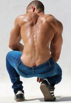 http://www.pinterest.com/guyskandy/ www.gaydatingtips.finditforme.xyz...and in this case especially, beautiful back................