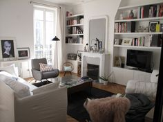 Près de la fenêtre fauteuil Lady de Marco Zanuso édition Arflex