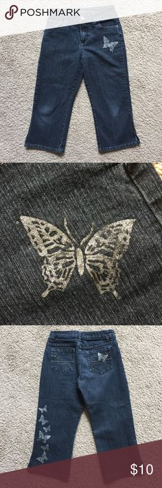 Butterfly Capris Have lots of life left. In good, pre-owned condition. Arizona Jean Company Bottoms Jeans