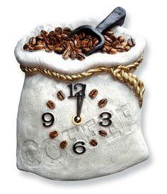"""Küchenuhr """"Coffee"""" - Der prall gefüllte Sack mit frischen Kaffeebohnen macht Lust auf eine kleine Pause. Mit Präzisionsuhrwerk und Batterien."""