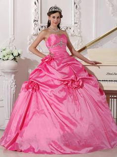 Large collection of quinceanera dresses and custom made quinceanera gowns, wholesale quinceanera dresses,debutante dresses and sweet 16 dresses at cheap price. Sweet Sixteen Dresses, Sweet 15 Dresses, Dresses Elegant, Cheap Dresses, Dresses For Sale, Dresses Online, Palm Beach, Pretty Quinceanera Dresses, Prom Dresses