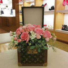 Our Tampa location @jenniesflorist had the wonderful opportunity to make this…