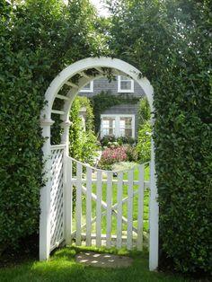 aussie new yorker: Nantucket Part 1 Garden Arches, Garden Entrance, Garden Arbor, Garden Gates, Entrance Gates, Nantucket Island, Front Gates, Cool Landscapes, Beach Cottages