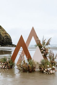 Wedding Backdrop Design, Ceremony Backdrop, Ceremony Decorations, Wedding Stage, Boho Wedding, Dream Wedding, Event Decor, Event Design, Wedding Designs