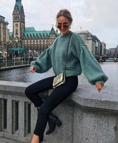 Green bell sleeve sweater with black jeans and black booties. Visit Daily Dress Me at dailydressme. Winter Outfits For Teen Girls, Winter Outfits 2019, Casual Winter Outfits, Winter Fashion Outfits, Look Fashion, Fall Fashion, Womens Fashion, Winter School Outfits, Feminine Fashion