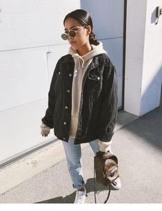 Hoodie and denim jacket - Miladies.net