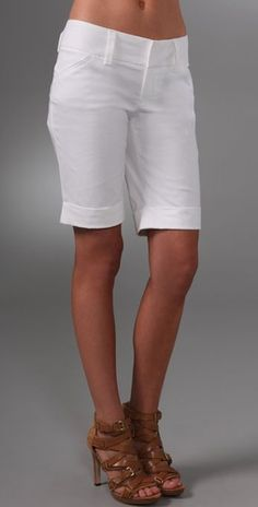 Wish i was tall enough to pull bremuda shorts off. These are super cute.