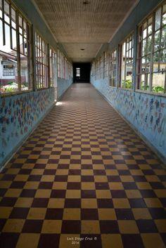 Manos en el pasillo de Luz Manos infantiles recuerdan con amor a los seres queridos, en el Sanatorio Carlos Durán.