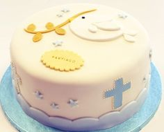 torta bautismo baby shower nacimiento fondant wilton                                                                                                                                                     Más Just Cakes, Cakes And More, Fondant Cakes, Cupcake Cakes, Baptism Cupcakes, Religious Cakes, Confirmation Cakes, First Communion Cakes, Love Cake