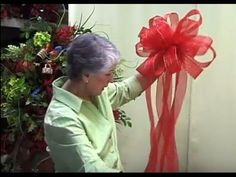 """""""How to make a bow"""" for a Christmas tree, gifts, weddings, tree topper, wreath and garland Christmas Tree Ribbon Garland, Christmas Tree With Gifts, Christmas Bows, Christmas Tree Toppers, Christmas Projects, White Christmas, Christmas Trees, How To Make Christmas Tree Bow Topper, Christmas Island"""